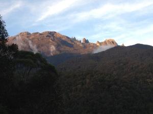 Gambar hiasan: Gunung Kinabalu. Ihsan R&R Capture 2013.